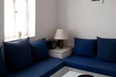 Autre vue du salon avec les sofas